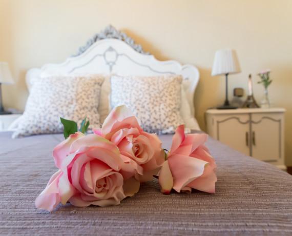 Restauración de un dormitorio antiguo a uno muy shabby-chic