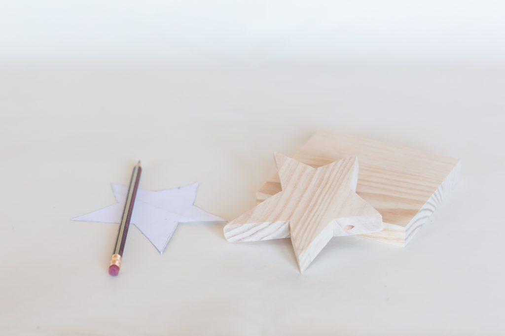 Como hacer tu propia guirnalda para navidad cristina for Bauhaus madera a medida